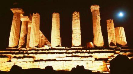 la valle dei templi di notte - agrigento